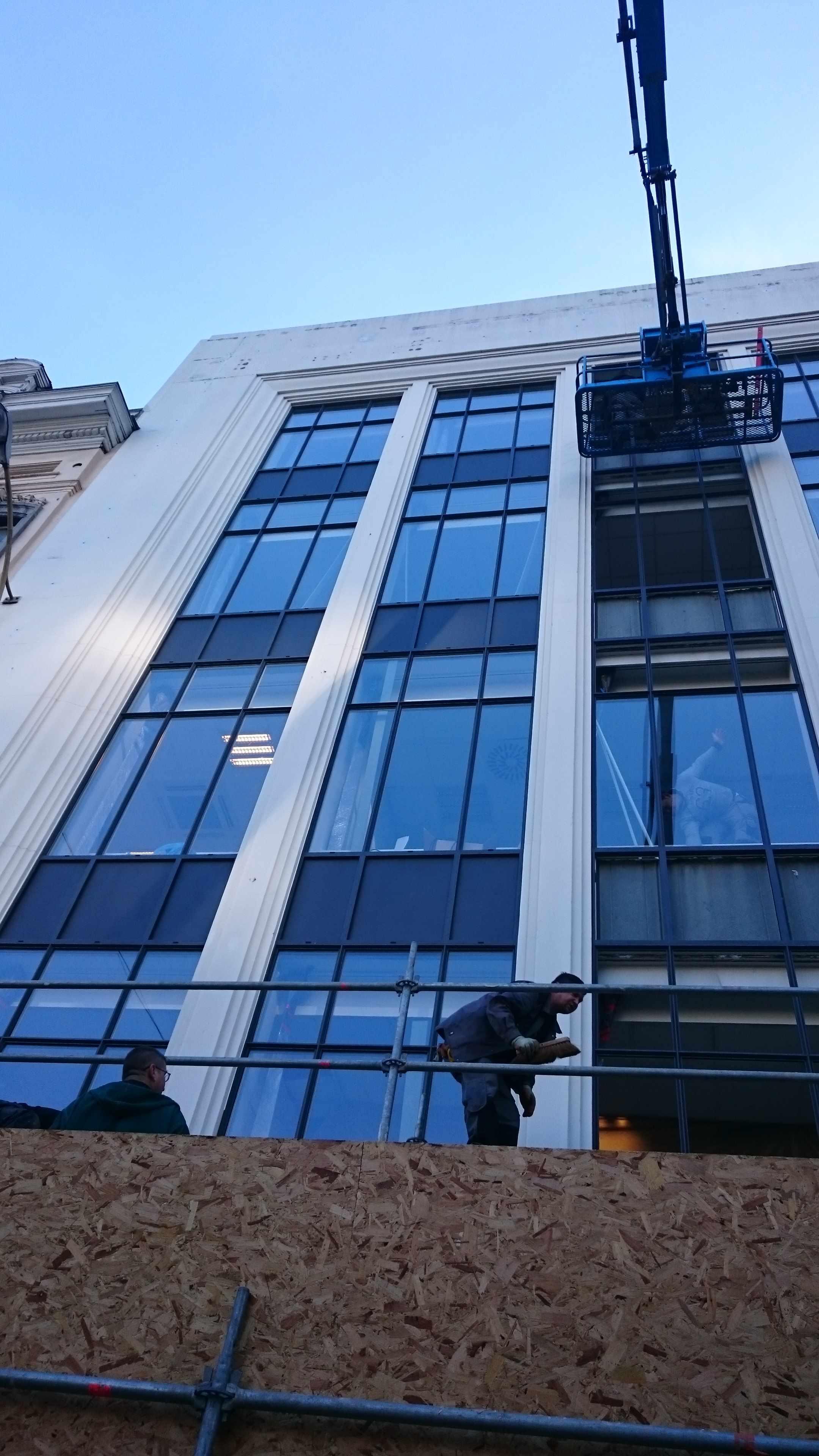 Châssis ALU en murs rideaux à Bruxelles